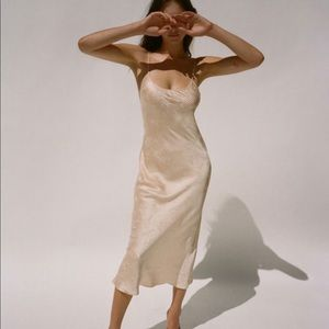 Realisationpar Tia Dress
